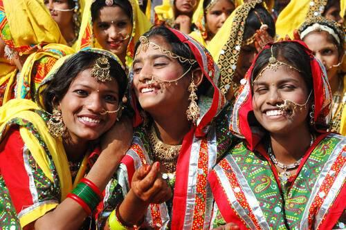 indian-girls-smiling