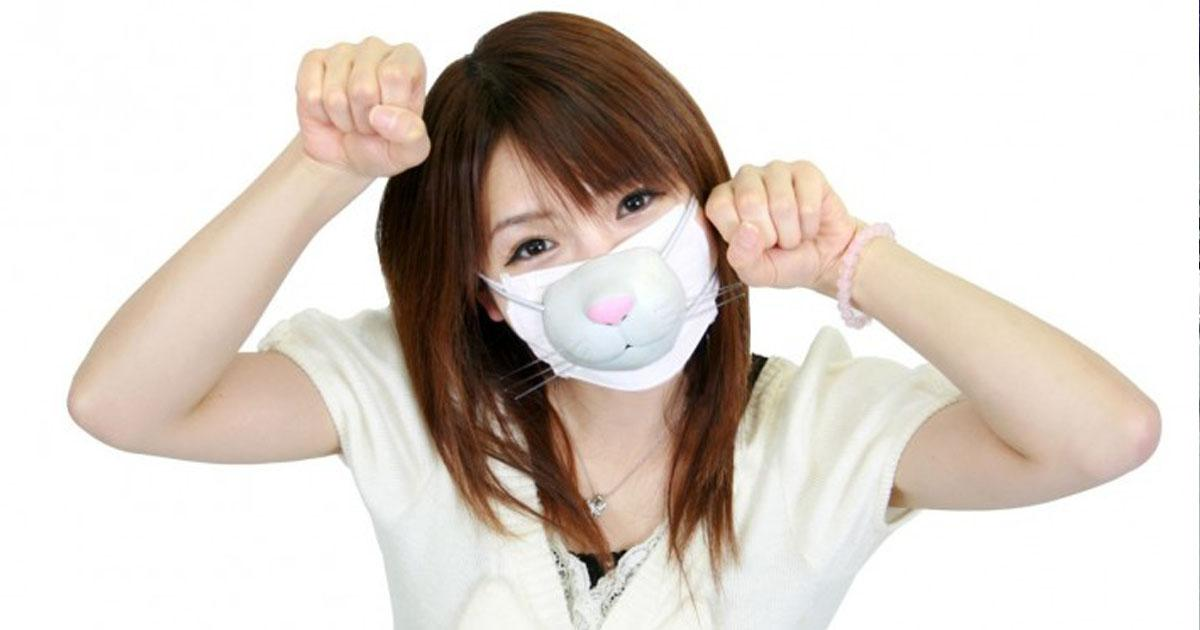 japanese girl wearing surgical masks